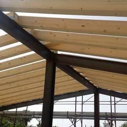 Dettagli della copertura in legno